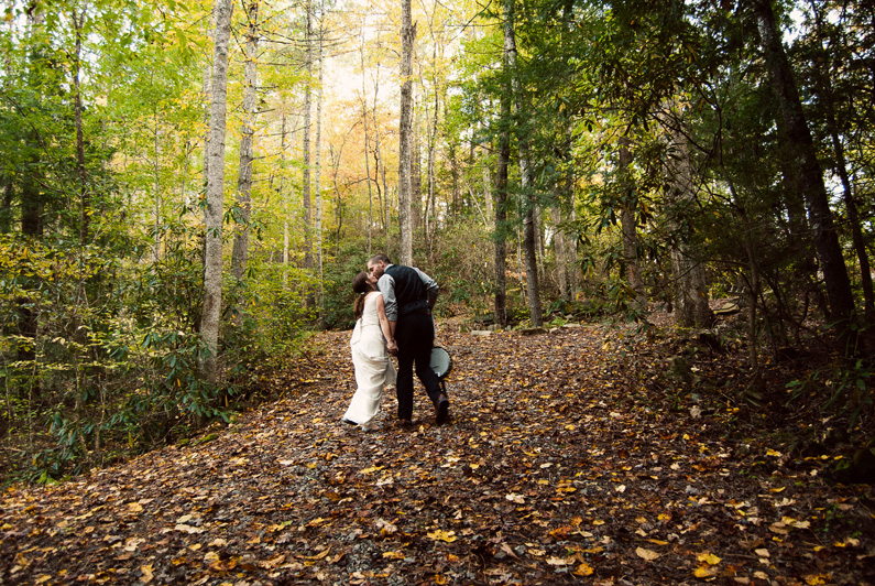 Atlanta Wedding Photographer | North Georgia | Ellijay | Forest | Mountain | LeahAndMark.com