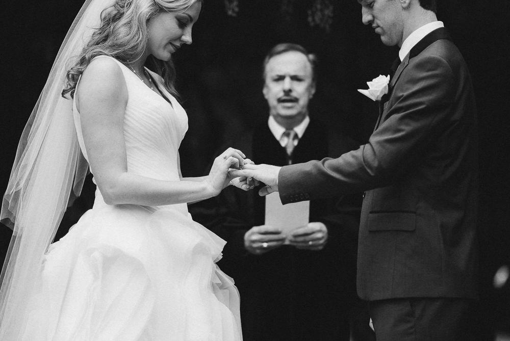 Atlanta Wedding Photographer | LeahAndMark.com | Cator-Woolford Gardens