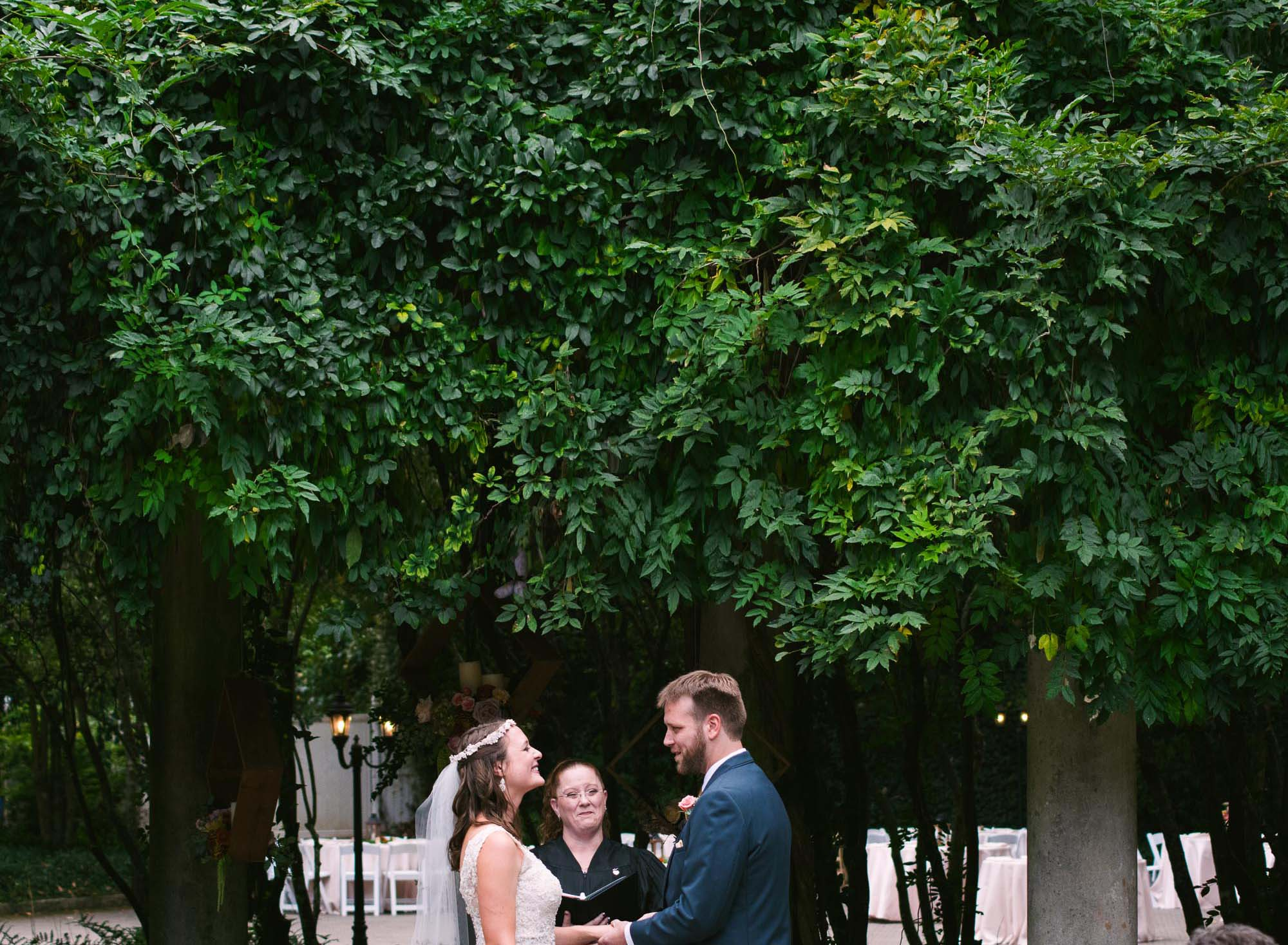 Cator Woolford Gardens Wedding ; Photographer; LeahAndMark & Co.; Outdoor; Fall Wedding; Summer Wedding; Green; Nature; Traditional